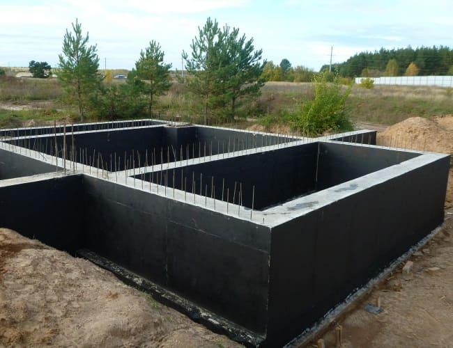 Проектирование и строительство ленточного фундамента